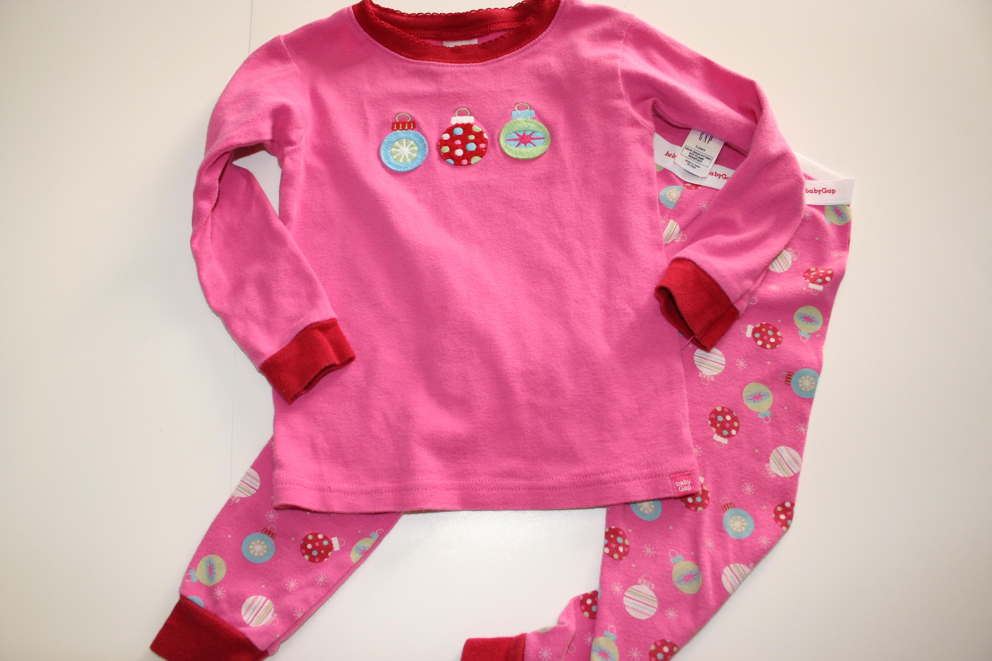 2 baby gap christmas ornament pajamas